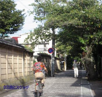 120912鎌倉の路地.JPG